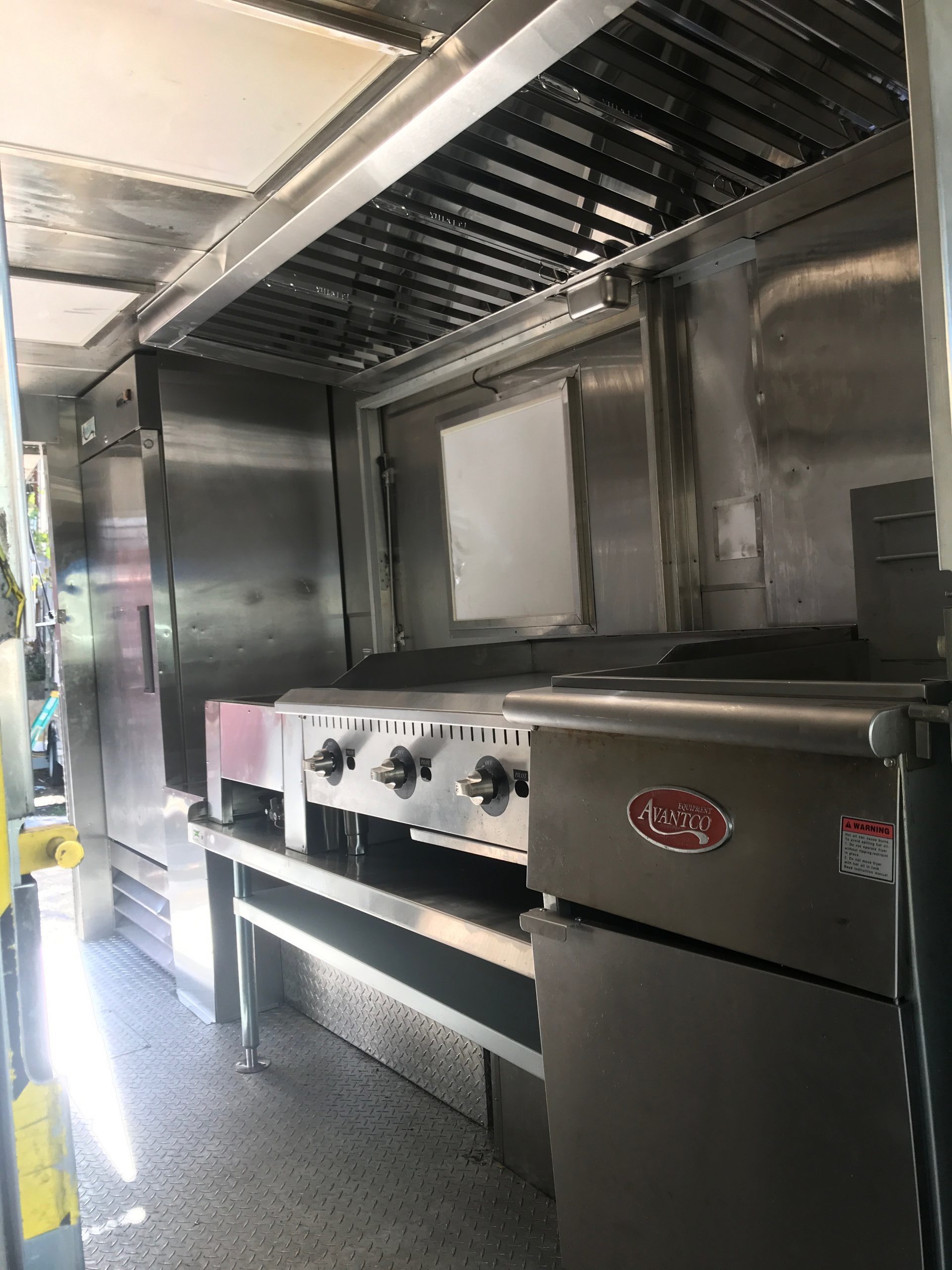 mobile kitchen food truck