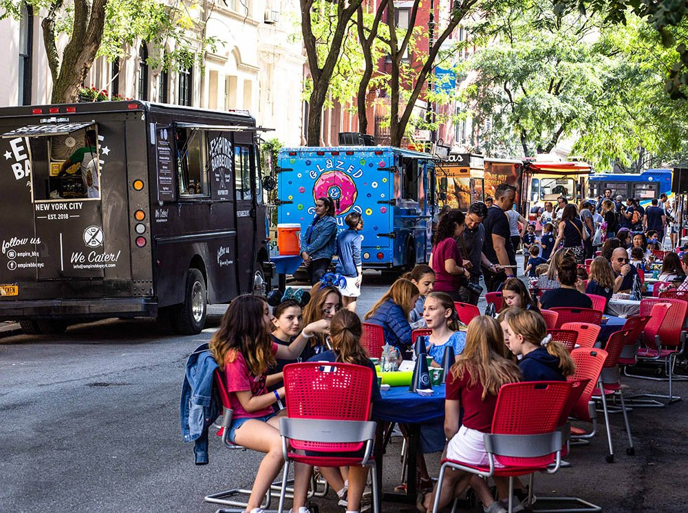 Fun event catering ideas with food trucks