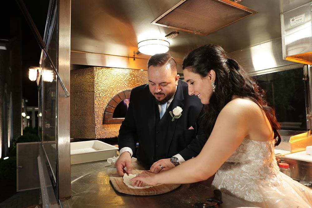 Unique wedding catering using food trucks