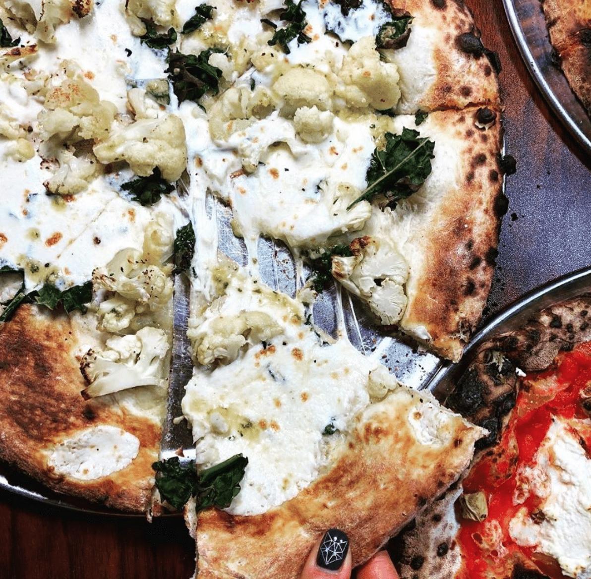 Pizza Vita Cauliflower Tuscan Kale