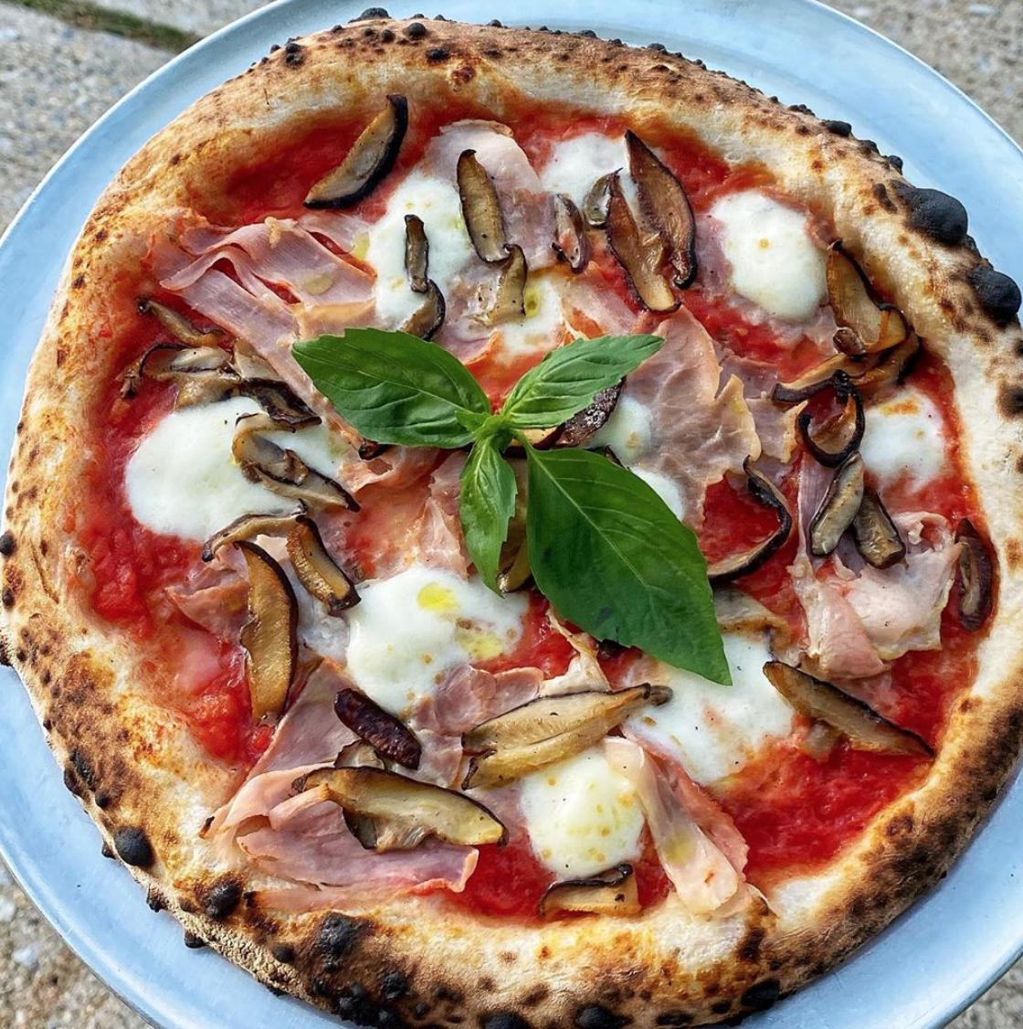 Italian Ham Sauteed Shiitake Mushroom Pizza