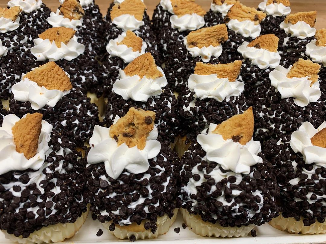 House of Cupcakes Chocolate Chip Cookie Dough Dessert Catering
