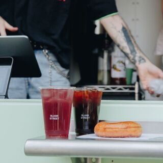 @blankstreetcoffee to the rescue with iced coffee to cool you down ☕❄️   The Blank Street coffee cart is zero-waste, zero emissions, and 100% good vibes 💚♻️ Book Blank Street for your next event through our website!